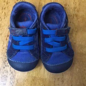 Stride Rite Sz 4.5 Sneakers!! So cute!!